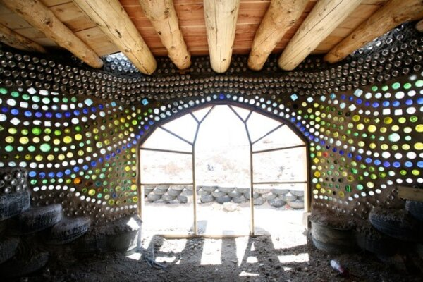 earth-ship-bottle-wall
