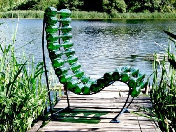 chair-from-bottles