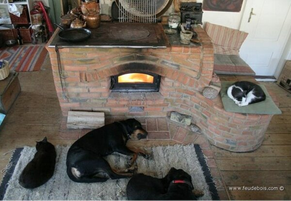 masonry-wood-stove-feu-de-bois-3
