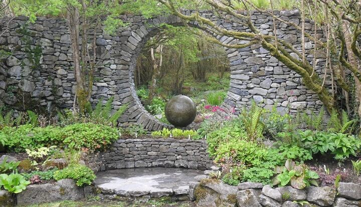 A Moon Gate For Your Garden Insteading
